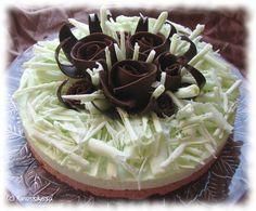 Minttu-unelma | Kinuskikissa – Suomen suosituin leivontayhteisö. cheese cake with chocolate decoration