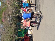 Dia 4. Manhã. Rotina da cidade: indo para o Parque Ibirapuera no domingo de sol, 11h. Apesar de não sentir muita falat da praia do Rio, adquiri o hábito dos paulistas de ir ao parque em dias de sol. Assim como todos, costumo andar de bicicleta e ficar em frente ao lago, observando os patos.