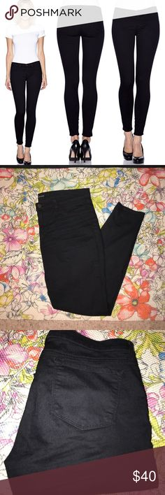 """J Brand Super Skinny Jeans J Brand Super Skinny Jean STY # 901l530 PITCH (believe to be color aka black) CUT # 13448 64 % cotton, 32% polyester, 4% elastane RN # 117975  Size 32 Mid-rise  Zip, button closure- """"J"""" on button -- Front faux pockets. Fully functioning back pockets. Super soft and comfortable material. Dress up or down! Excellent condition 👍🏻 J Brand Jeans Skinny"""