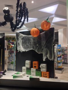 Escaparate Halloween 2014 farmacia COR Valencia