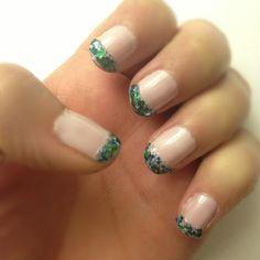 Glitter French Manicure #nails #glitternails #manicure