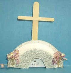 He is risen! Great craft for kids, made with a paper plate and popsicle sticks (easter crafts jesus) Easter Activities, Craft Activities, Preschool Crafts, Easter Projects, Easter Crafts For Kids, Easter Ideas, Sunday School Projects, Christian Crafts, Christian Easter