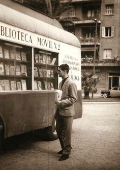 El Tranvía 48: El bibliobús en Barcelona