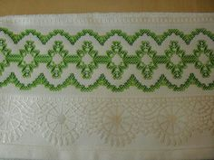 Risultati immagini per leila jacob vagonite Swedish Embroidery, Types Of Embroidery, Beaded Embroidery, Embroidery Stitches, Hand Embroidery, Huck Towels, Swedish Weaving Patterns, Chicken Scratch Embroidery, Monks Cloth