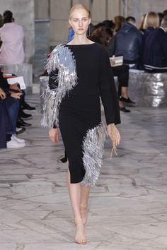 Loewe Spring 2016 Ready-to-Wear Fashion Show