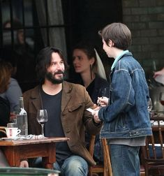 Tagged with funny, mildly interesting, wtf, awesome, weird shit; Keanu Reeves can turn water into wine Keanu Reeves John Wick, Keanu Charles Reeves, Keanu Reeves Quotes, Keanu Reaves, Water Into Wine, Hollywood, Man Alive, Best Actor, Actors & Actresses