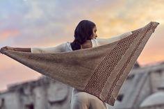 Jessica shawl by Isabell Kraemer. DYI crafts, yarn crafts, knit, knitting, handknitting, knitwear, knitted alpaca. knitted pattern. Made of Puna yarn: Baby alpaca. Amano. Made in the Andes, Peru. Yarn love.