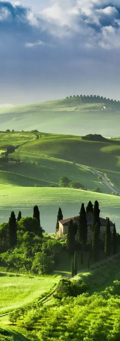 Tuscany, Italy this is truly one of the most photogenic places on earth!