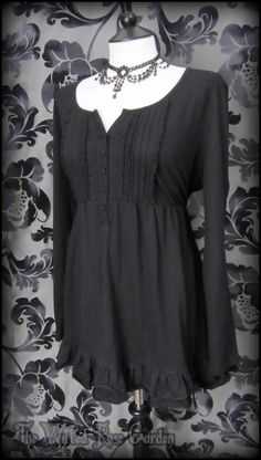 Romantic Gothic Black Ruffle Lace Front Tunic Top 18 20 Vintage Victorian Boho | THE WILTED ROSE GARDEN