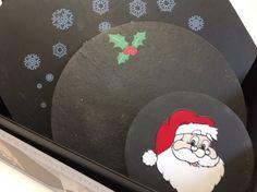 Regale algo original #navidad #vajillas #pizarra #decoracion #mesas #decor #slate venta ONLINE en www.platosypizarras.com Decoration, Christmas Gifts, Dish Sets, Restaurants, The Originals, Dekoration, Decorating, Deco, Deko