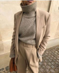 Find the most beautiful outfits for your autumn look. - Find the most beautiful outfits for your autumn look. Business Outfit Damen, Beautiful Outfits, Cute Outfits, Casual Outfits, Work Outfits, Dress Outfits, Street Style Outfits, Street Style Edgy, Paris Mode