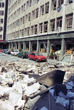 Unseen pictures of the aftermath of the Manchester IRA bomb - Manchester Evening News Old Pictures, Old Photos, Bolton England, Manchester Bombing, Big Bomb, Manchester City Centre, Rochdale, Manchester England, Salford