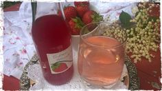 Make Lemonade with Strawberry Elderflower Sirup