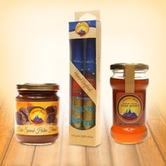 A nice gift offer for you and your family: Star Thistle Honey with two Pillar candles and Halva-Flavored Date Spread. #honey #halva #dates