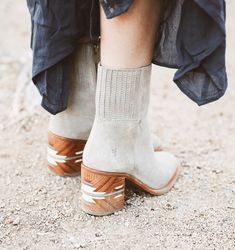 Shop our collection of high quality Frye leather boots, shoes, sneakers, and bags for Men and Women. Discover fashion forward shoes and boots by Frye and Co. Funky Shoes, Crazy Shoes, Cute Shoes, Me Too Shoes, Heeled Boots, Bootie Boots, Boot Heels, Ankle Boots, Looks Party