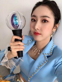 Gfriend-SinB 190529 official update Kpop Girl Groups, Korean Girl Groups, Kpop Girls, Fan Picture, S Pic, Pop Clothing, Sinb Gfriend, Gfriend Album, G Friend