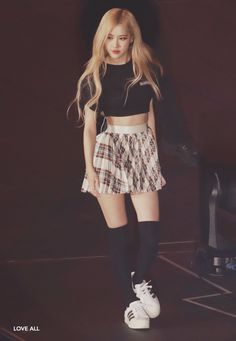 Blackpink in Your Area Part 07 - Visit to See More Pins Stage Outfits, Kpop Outfits, Cute Outfits, Fitness Outfits, Blackpink Fashion, Korean Fashion, Square Two, Look Rose, Rose Park