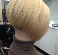 Stacked Bob Hairstyles, Bun Hairstyles, Bob Haircuts, Short Stacked Bobs, Buzzed Hair, Shaved Nape, Beautiful Haircuts, Hairstyle Look, Blonde Bobs