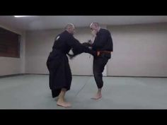 Iso Gaeshi no kata of Kukishinden Ryu and two henka - YouTube