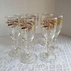 Vintage verres à pied en verre / Mid Century blé par vintagepoetic