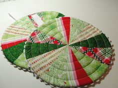 Christmas Red & Green Quilted Trivet  Hot Pad by countrysewing4U