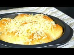 Pan de Siosa, a soft, pull part bread topped with generous toppings of butter, sugar and cheese! It is a delightful bread that you will surely make again and. Filipino Bread Recipe, Pinoy Recipe, Filipino Desserts, Filipino Recipes, Lucia Buns Recipe, Ensaymada Recipe, Phillipino Food, Waffles, Pancakes