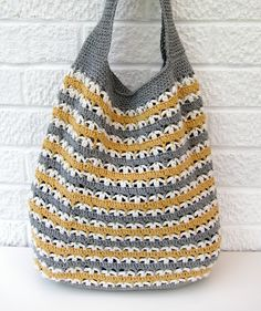 DIY: crochet market bag  Not colors I would choose to go together but they are growing on me....