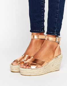 39 Espadrilles To Look Cool - Shoes Fashion & Latest Trends High Heel Boots, Heeled Boots, Shoe Boots, High Heels, Espadrilles, Pretty Shoes, Beautiful Shoes, Shoe Wardrobe, Buy Shoes Online