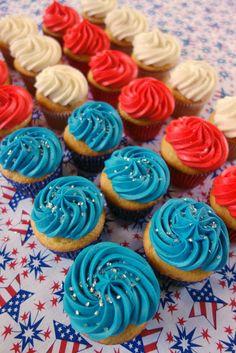 Flag Cupcake Cake - easy patriotic dessert
