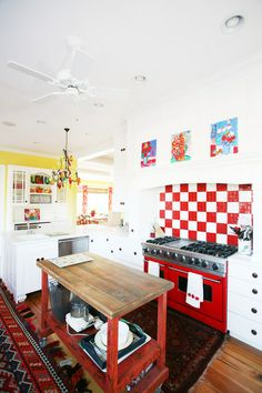 a perfect, bright kitchen (minus the red checkerboard backsplash, plus cutting board countertops)