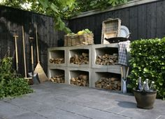 so i want my woodshed, yours elements of concrete! Also within an option./great idea for wood storage Outdoor Firewood Rack, Firewood Storage, Love Garden, Dream Garden, Garden Furniture, Outdoor Furniture Sets, Outdoor Decor, Outdoor Projects, Garden Inspiration