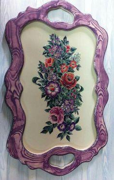 Diy Home Crafts, Mosaic Art, Chalk Paint, Initials, Art Deco, Porcelain, Purple, Trays, Painting