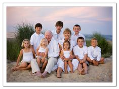 Ideas for big family pic this summer  beach family pictures - Bing Images