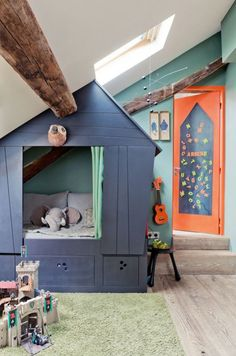"great child's room ~ ""Built In Bed playhouse Idea"" ~ from Remodelaholic"