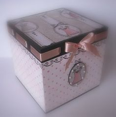 Paint and decoupage Decoupage Vintage, Decoupage Paper, Diy Mailbox, Exploding Box Card, Creative Box, Prayer Box, Cardboard Paper, Pretty Box, Altered Boxes