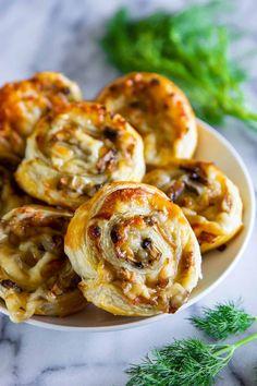 Mushroom Puff Pastry Pinwheels Puff Pastry Pinwheels, Puff Pastry Appetizers, Mushroom Appetizers, Pinwheel Appetizers, Pinwheel Recipes, Puff Pastry Recipes, Yummy Appetizers, Appetizers For Party, Appetizer Recipes