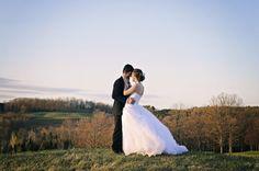 www.hilaryknegtphotography.com Barrie, Ontario Wedding Photographer