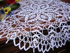 Tovaglietta ad uncinetto, centro ad uncinetto, centro pizzo ad uncinetto, crochet lace doily,  pizzo ad uncinetto, cotone bianco nuovo, di MondoTSK su Etsy