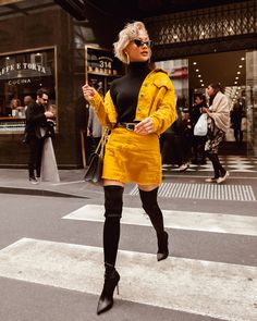 Soy latté with honey, thanks 😎 Outfit from ☕️🥐😛 Weird Fashion, 90s Fashion, Runway Fashion, Fashion Outfits, High Fashion Poses, Micah Gianelli, Blonde Beauty, Aesthetic Fashion, Trendy Outfits
