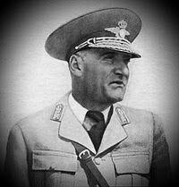 Mareşalul Ion Antonescu: General aviator Gheorghe Jienescu History Of Romania, Aviation, Card Stock, Military Uniforms, Air Ride, Aircraft