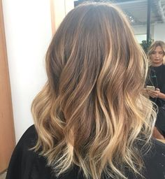 Sun kissed balayage by jaye edwards for edwards and co. Different Blond, Balayage Hair Blonde, Hair Shades, Light Brown Hair, Dyed Hair, Hair Inspiration, Cool Hairstyles, Short Hair Styles, Hair Makeup