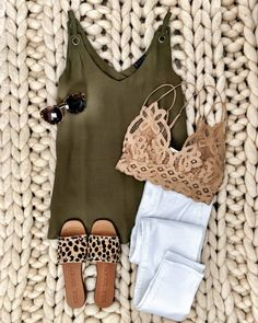 Ig mrscasual olive cami white jeans beige lace bralette leopard slides sunnies 30 charming spring outfits for women ideas 2020 Mode Outfits, Casual Outfits, Fashion Outfits, Fashion Trends, Fashion Ideas, 1940s Outfits, Fashion Hacks, Fashion Belts, Girly Outfits