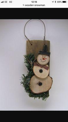 21 Elegantly Beautiful Wood Slices Crafts to Pursue Wood Crafts christmas wood craft projects Christmas Wood Crafts, Noel Christmas, Christmas Projects, Holiday Crafts, Handmade Christmas, Xmas Crafts To Sell, Spring Crafts, Primitive Christmas Ornaments, Christmas Ideas