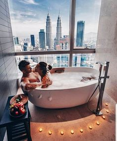 Hotel room view goals in Kuala Lumpur Tag your travel partner in crime « Cute Couples Goals, Couples In Love, Romantic Couples, Couple Goals, Couples Images, Couples Bathtub, Romantic Bath, Luxury Couple, Model Foto
