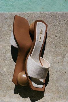 Dream Shoes, Crazy Shoes, Zapatos Shoes, Shoes Sandals, Cute Shoes, Me Too Shoes, Unique Heels, Aesthetic Shoes, Shoe Closet
