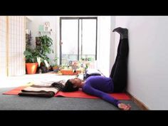 """Here are five """"lazy"""" yoga poses to help relieve lower back pain while you binge watch House Of Cards or Orange Is The New Black. How To Relax Yourself, Guided Relaxation, Legs Up The Wall, Top 10 Home Remedies, Corpse Pose, Easy Yoga Poses, Leg Pain, Plank Workout, Restorative Yoga"""