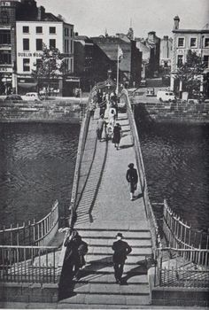 Ha'penny Bridge over the River Liffey Dublin city, looking North towards Lower Liffey Street - Ireland Pictures, Images Of Ireland, Old Pictures, Old Photos, Dublin Street, Dublin City, Ireland Homes, Over The River, Take Better Photos