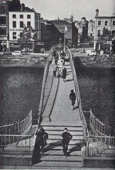 Ha'penny bridge over the river Liffey 1961