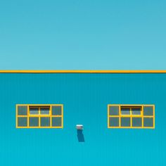 MINIMALIST URBAN PHOTOGRAPHY - Invisible is amazing photo series of minimalist urban photography by Vittorio Ciccarelli. It is minimal urban photos with details removed. Ciccarelliis graphic designer/photographer living and working in Naples. Minimal Photography, Urban Photography, Abstract Photography, Photography Blogs, Iphone Photography, Color Photography, Fotografia Vsco, Orquideas Cymbidium, Minimalist Photos
