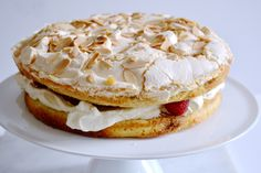 Cakes By Chichi: Raspberry and Almond Meringue Cake